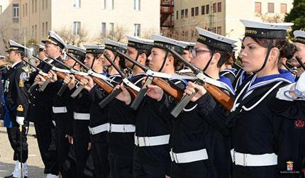Concorso per 1980 volontari nella Marina Militare