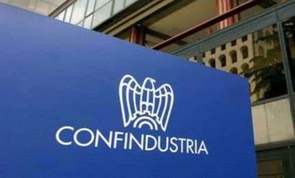 Concorso Confindustria giovani: stage da 1000 euro per neolaureati