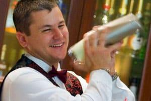 Formazione retribuita per 12 Barman a Lecce