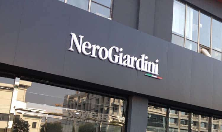 Nero Giardini Lavoro