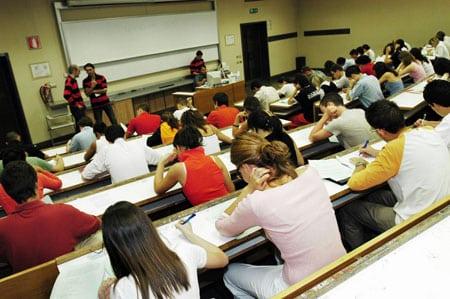 Universita di Parma: concorsi per Diplomati e Laureati