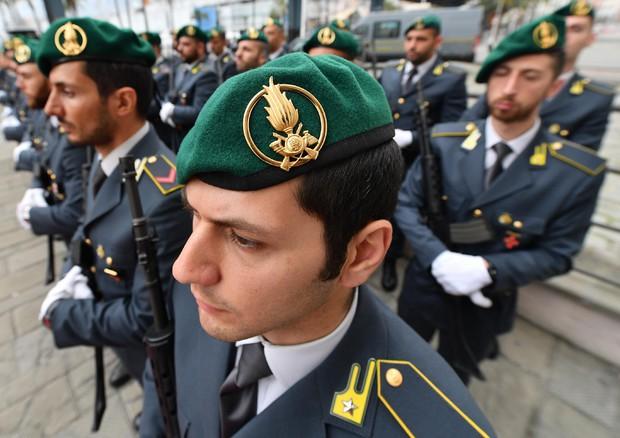 Indetto concorso pubblico per entrare nella Guardia di Finanza: si assumono 66 allievi ufficiali