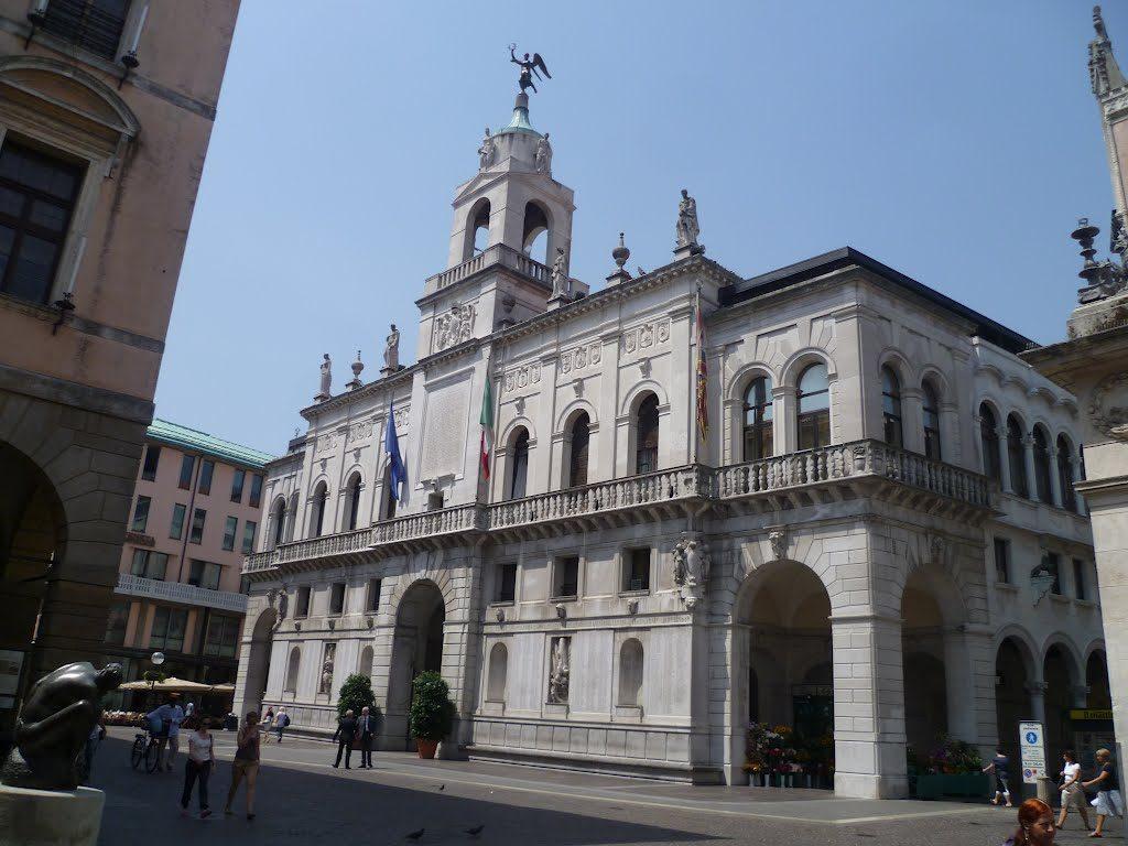 6 nuovi concorsi indetti dal Comune di Padova. Si ricercano 20 diverse figure professionali.